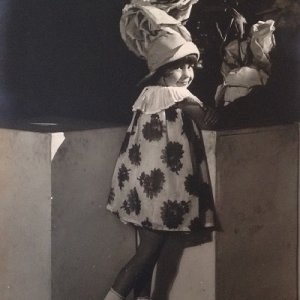 František Drtikol – dcera Ervínka v otcově ateliéru