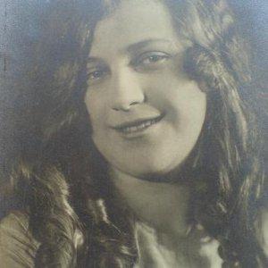 František Drtikol – dívčí portrét 1925